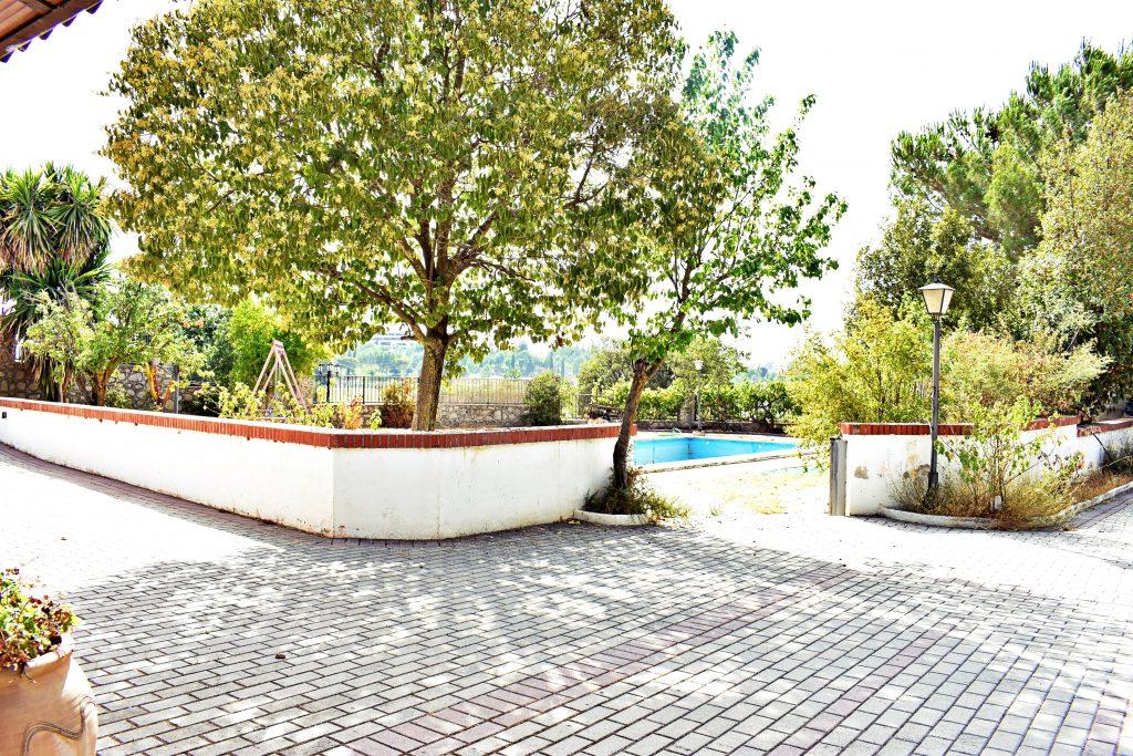 Aumenta la búsqueda de casas con jardín y piscina por el miedo al confinamiento