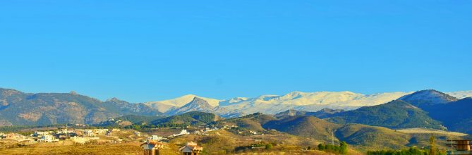 Casa con torreón y magníficas vistas a Sierra Nevada y Granada